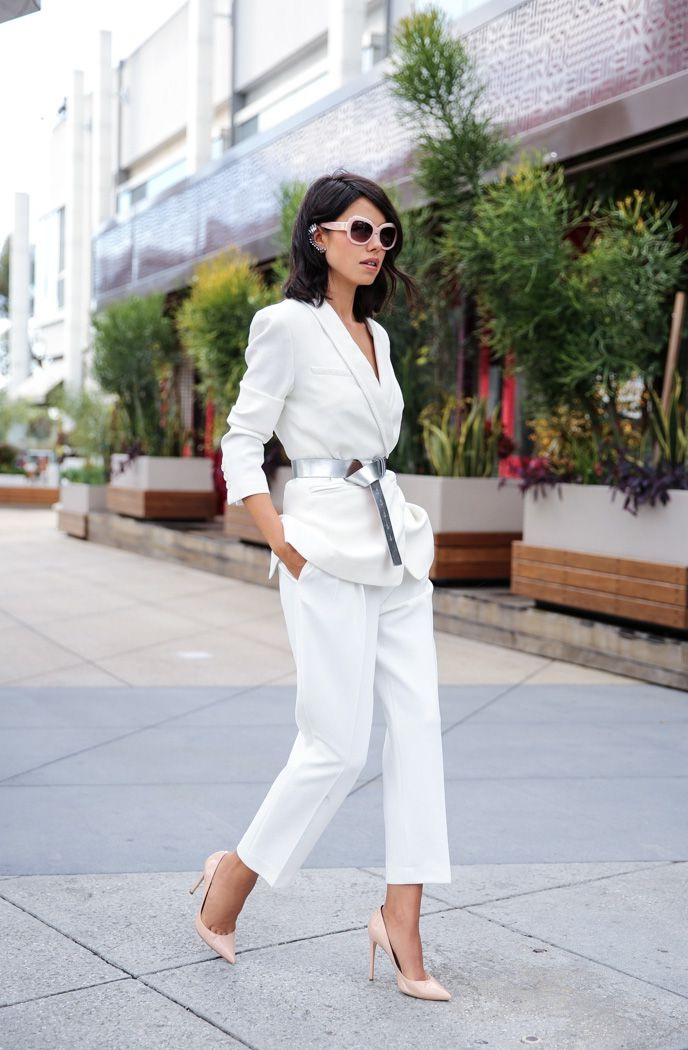 4.-Silver-Belt-With-White-Outfit