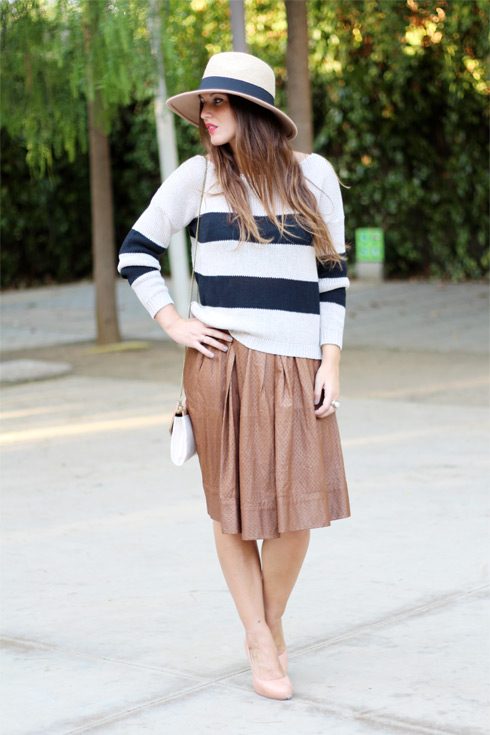 Stripesandcamel_LostinVogue_01