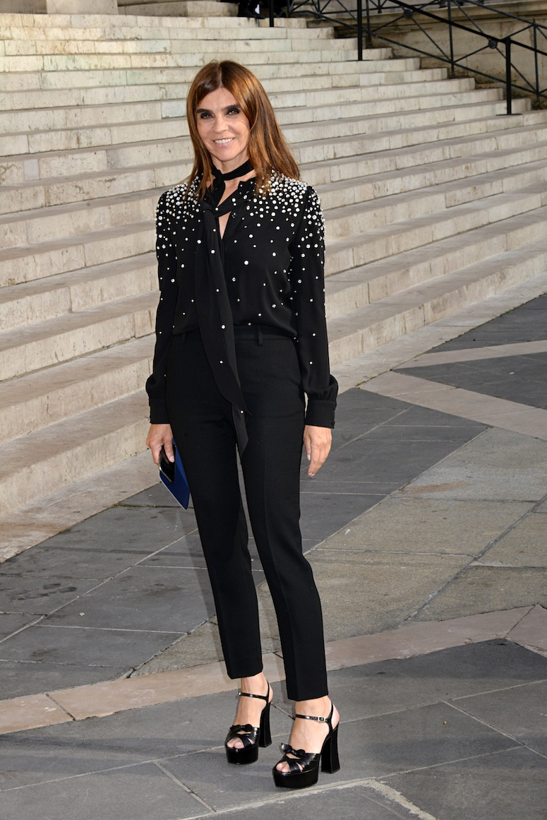 PARIS, FRANCE - JULY 05: Carine Roitfeld attends the Versace show as part of Paris Fashion Week Haute Couture Fall/Winter 2015/2016 on July 5, 2015 in Paris, France.   (Photo by Foc Kan/WireImage)